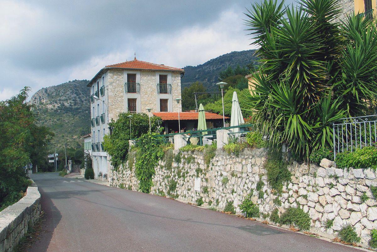 Aspremont (FRA) - Uliczka w wiosce