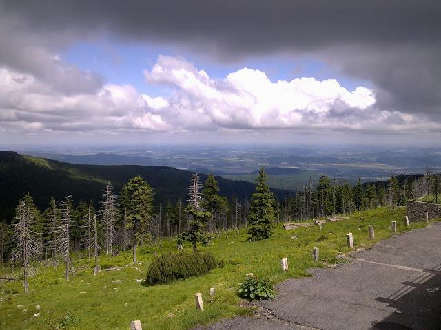 Przełęcz Karkonoska - Widok na dolinę
